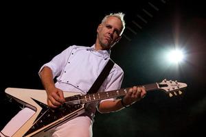 Том Дюмонт (китара)