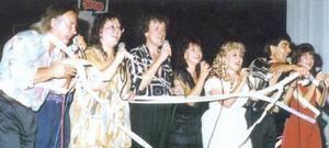 Фамилия Тоника по време на концерт, около 1996г.