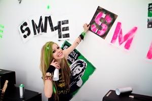 Avie Smile..live!