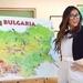 Макар че Нина вече не живее в България, тя всяко лято и всяка Коледа се връща в София, но дори и в Америка - тя не забравя за родната си държава!♥