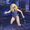Lady GaGa на концерт облечена в Giorgio Armani