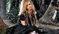 Avril Lavigne's 'Alice In Wonderland' Video Is 'Haunting,'